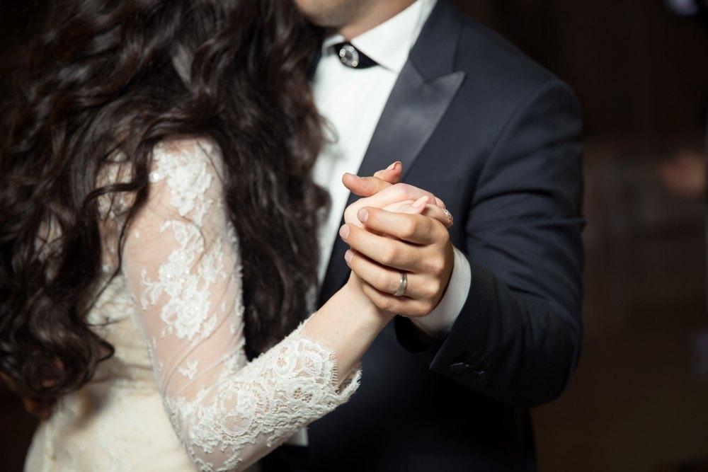 Style Guide: Πώς να διαλέξεις το κοστούμι του γάμου σου